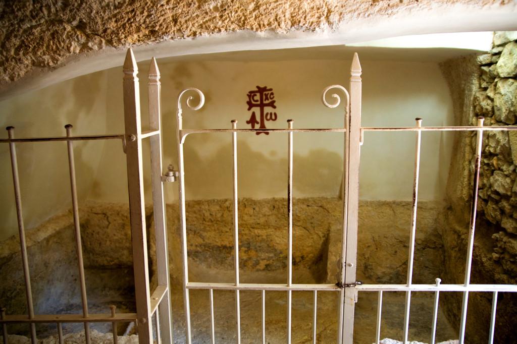 img_6643-garden-tomb-the-tomb